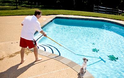 чистка бассейна: аксессуары