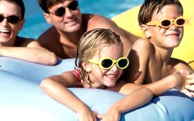 дезинфекция бассейна: как избежать опасности