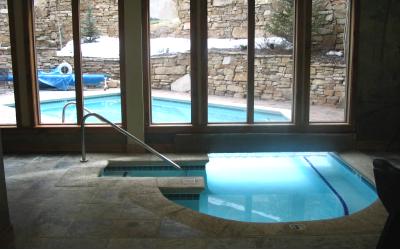 Организация вентиляции в закрытом помещении для бассейна