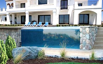Выбираем бассейн для загородного дома
